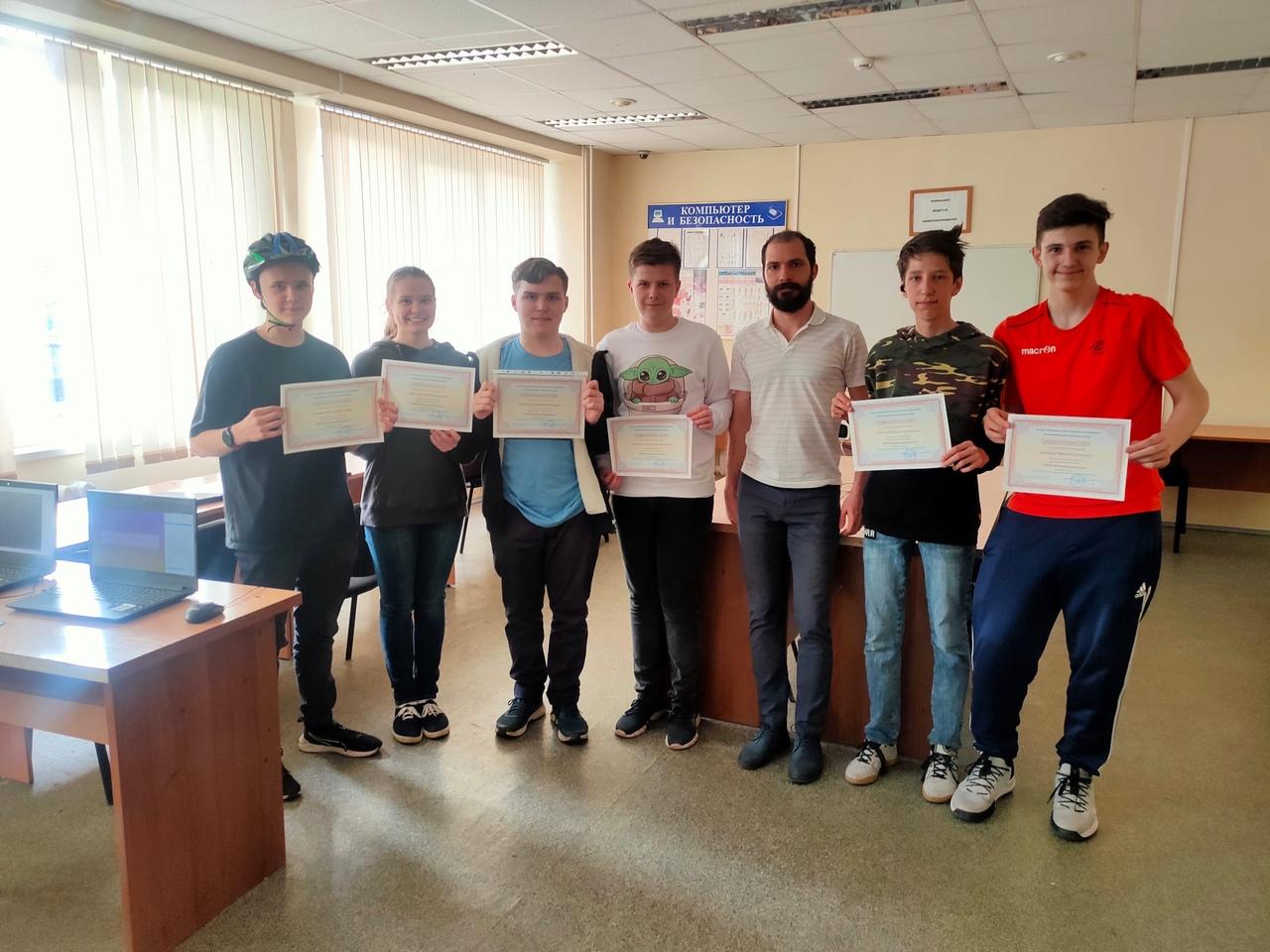 Второй выпуск курсов по web-программированию